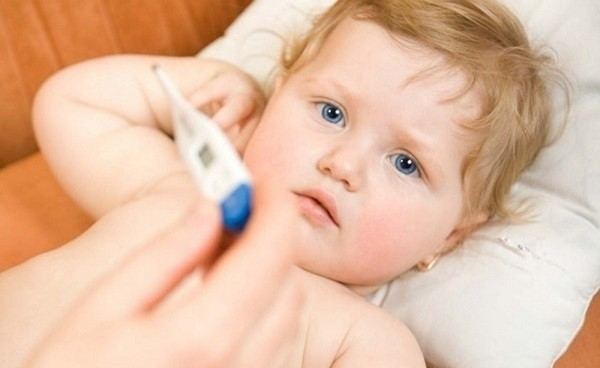 Kết quả hình ảnh cho trẻ bị sốt nên ăn gì